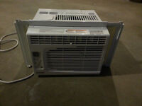 5000 BTU Air Conditioner   Barely Used   Works Great