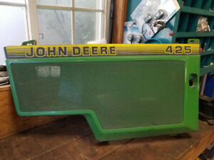 John Deere 425 side right hand side panel. In good shape
