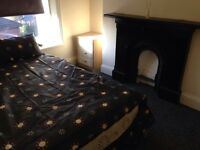 JUST OUTSIDE CITY CENTRE DOUBLE ROOM INTERNATIONALS WELCOME £80 A WEEK NO DEPOSIT NO FEES ALL BILLS