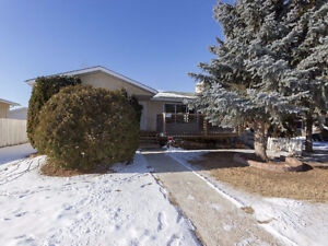 SCHMIDT REALTY GROUP - Solid bungalow in Daly Grove