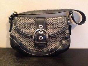 Authentic Coach Handbag **NEW: price drop to sell FAST!