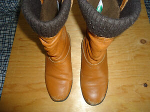 Cougar tan boots, size 8M