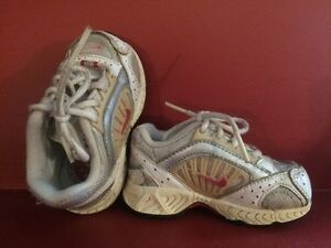 NIKE Girl's Size 3.5C Sneakers / Shoes - Good condition!