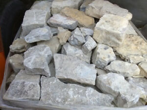Skid lots of rough limestone natural stone