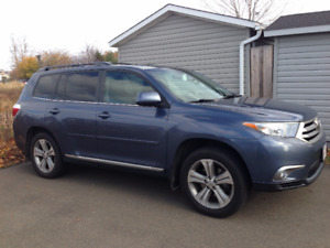 2013 Toyota Highlander Sports Package and extras