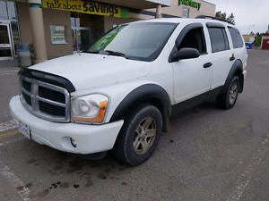 SUV   2005 Dodge Durango all wheel drive 7 seater 4.7 L SLT