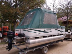 Pontoon boat 20 foot Legend full enclosure 25 Mercury