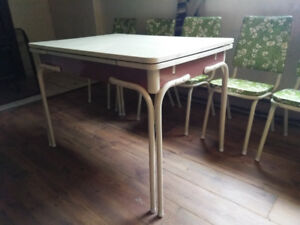 Vintage Retro Harvest Dining Table and Chairs