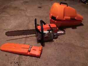 Stihl ms270 chain saw and case