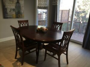 Oval Kitchen / Dining Table and 4 Chairs