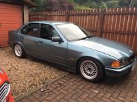 BMW e36 328 saloon ideal drift car.