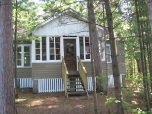 Muskoka Cottage - Spectacular Setting - 2 summer weeks left