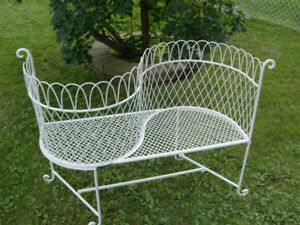 Metal Courting Chair