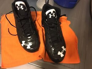 Football cleats  (size 12) London Ontario image 9