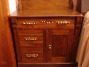Antique dresser (Woodstock NB)
