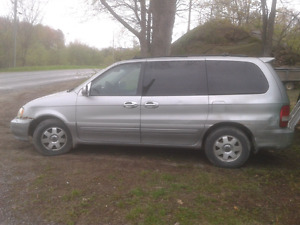2003 Kia Sedona for trade