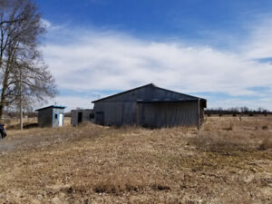 Barn with 10 acres for lease or rent