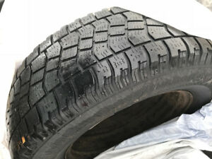 225/70R16 Avalanche X-Treme Winter set of 4 tires WITH RIMS incl