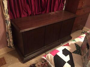 Huge cedar chest for awesome safe storage