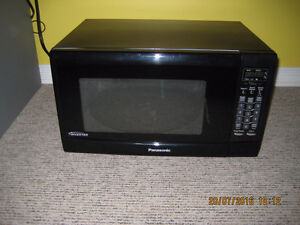 Panasonic Inventer 1.6 cubic feet countertop Microwave
