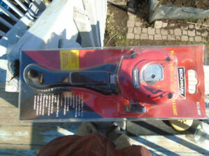 BENCHMARK Ratcheting Pipe Cutter