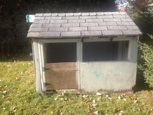 I have a dog house or Piay house for sale.