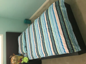 Wooden single bed with drawers and matress