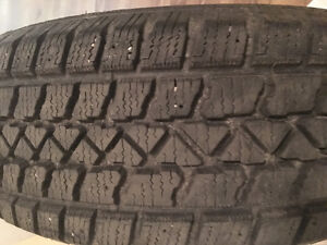 Artic Claw 215/60R17 M&S