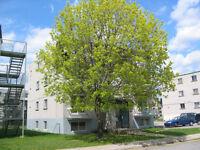2 1/2 @ Louer a Laval-des-Rapides - 1 BDR for Rent Laval-