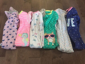 Carters girl sleepers size 18 months (6 pairs)
