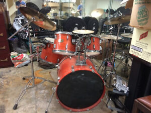 Pearl Export Drum Set (5-piece, hang-toms, gloss-lacquer finish)