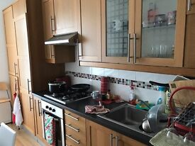 Lovely one bed flat overlooking park. Pl4 9hx