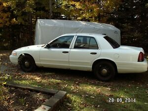 2006 Ford Crown Victoria - Police Interceptor (P71)