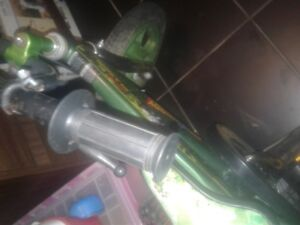 BUZZ AND WOODY KIDS BIKE WITH TRAINING WHEELS