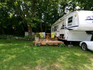 2006 cougar 290 fifth wheel