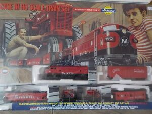 Case IH HO Scale Train Set