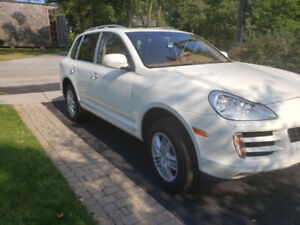 2009 PORSCHE Cayenne 125K Impeccably maintained
