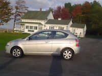 2009 Hyundai Accent , VERY CLEAN !!   ONLY 124000 KMS !!!!