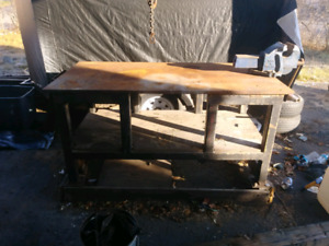 Steel table with vice (no 6)