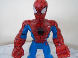 figurine Spiderman super héros qui s articule