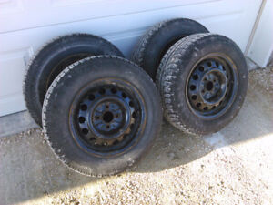 Set of 4 Michelin 185/70 R14 Snow Tires and Rims