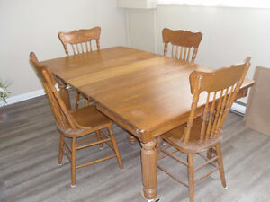 Solid wood expandable dining table set