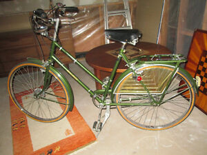 vintage Ladies Raleigh Superbe bicycle rare fender skirts