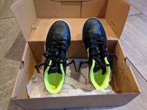 brand new soccer shoes for kids size 2