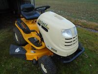 Lawn tractor riding mower
