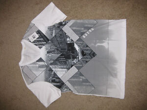 Guess T-Shirt Tag attached