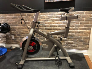 vélo de spinning (comme neuf)