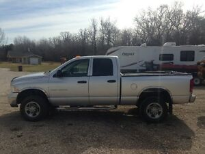 2004 Dodge Power Ram 3500 SLT Pickup Truck