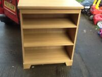 Wooden shelf unit/bookcase.