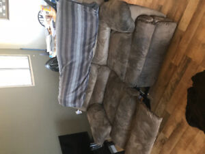 Free recliner couch in lower sahali
